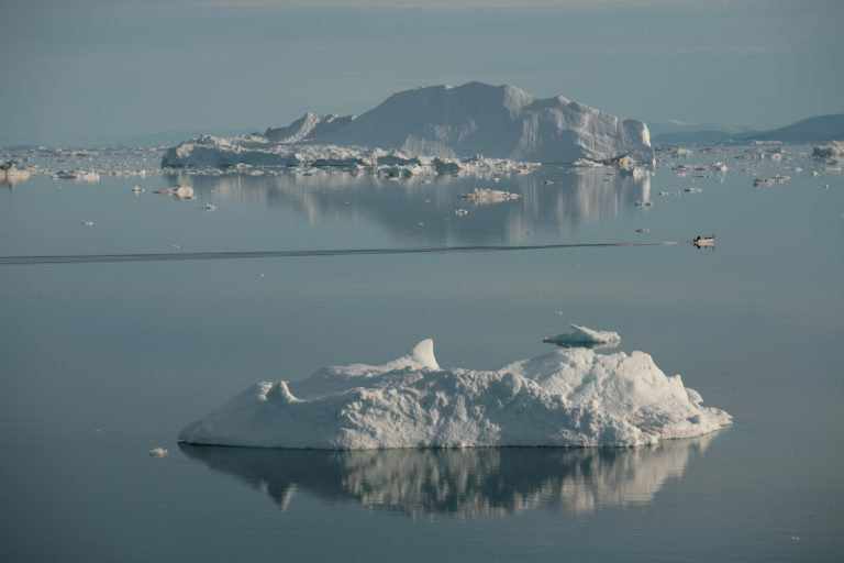 Arctic, Arktis, Greenland, Grönland, West Coast, Westküste, Disko Bay, Diskobucht, Ilulissat, Iceberg, Eisberg, Sea, Meer, Water, Wasser, Boat, Boot, Hans-Joachim Eggert