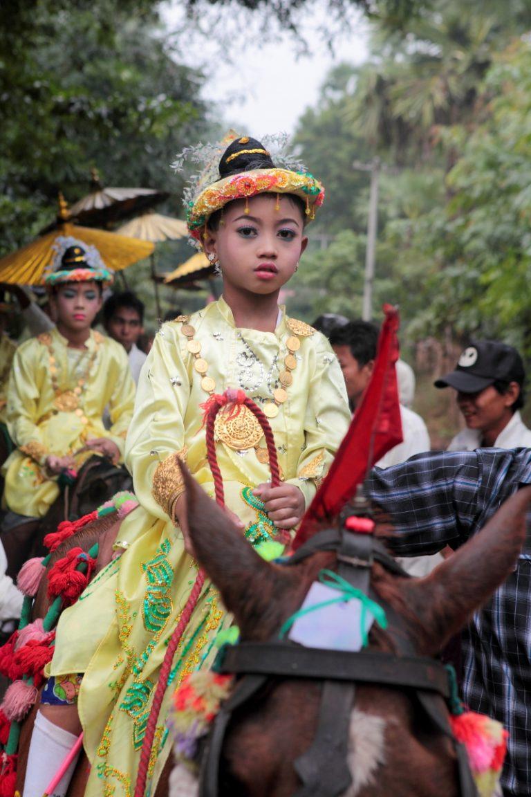 Asia, Asien, Myanmar, Burma, Mandalay, People, Portrait, Children, Kind, Festival, Hans-Joachim Eggert