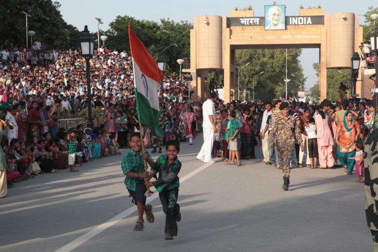 Asia, Asien, India, Indien, Punjab, Amritsar, Wagah border ceremony, Grenzschließungszeremonie, Zeremonie People, Portrait, Hans-Joachim Eggert