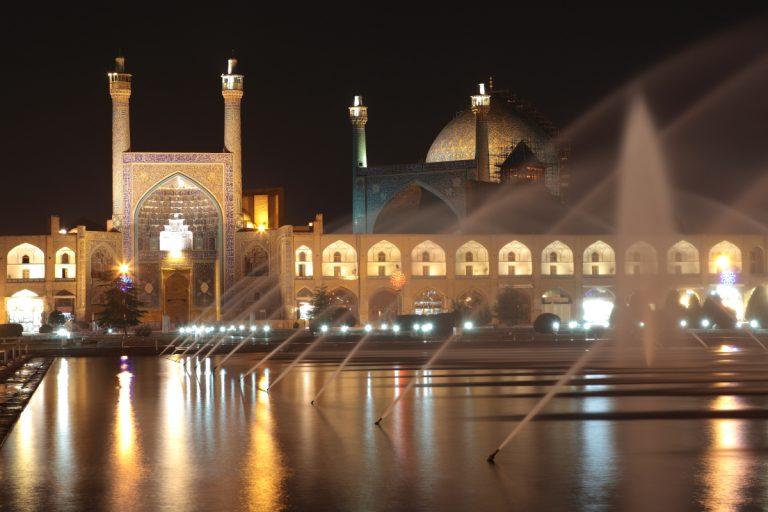 West Asia, Vorderasien, Asien, Iran, Esfahan, Isfahan,  Meidān-e Naghsch-e Dschahān, Meydan-e Emam-Place, Platz, Imam Mosque, Imam Moschee, Evening, Abend, Hans-Joachim Eggert