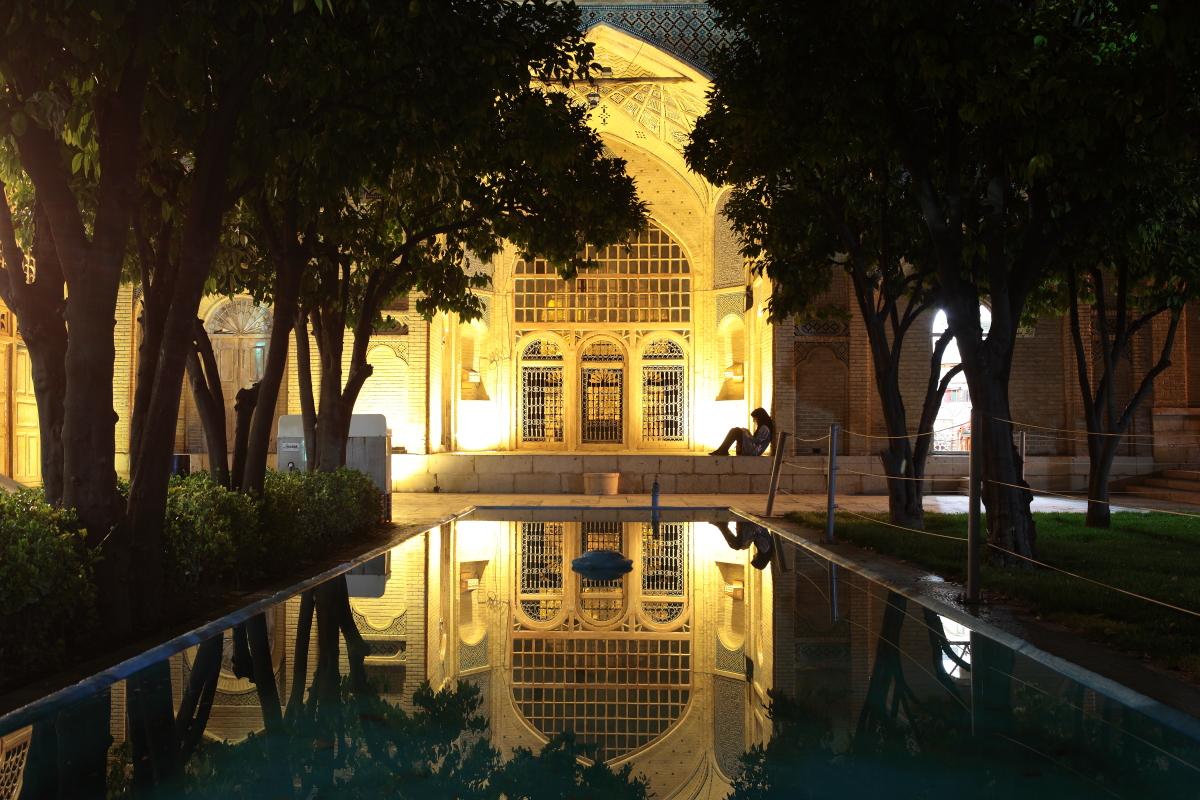 West Asia, Vorderasien, Asien, Iran, Shiraz, Hafez Mausoleum, Hafis, People, Evening, Abend, Hans-Joachim Eggert