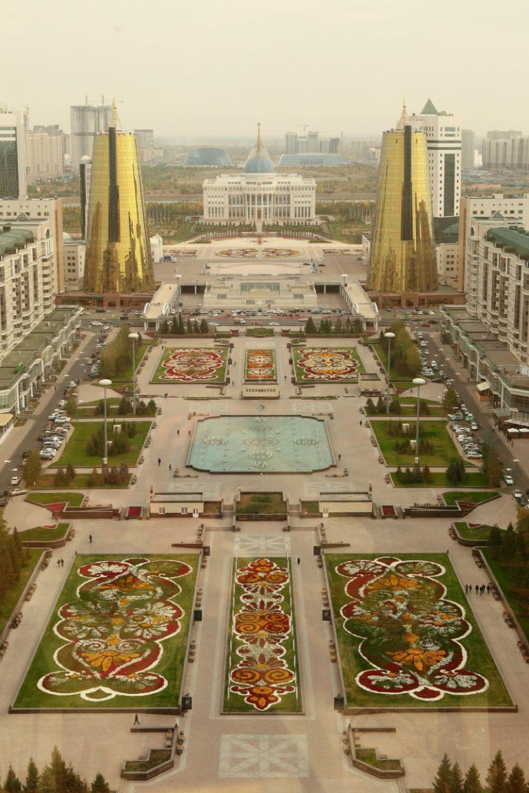 Asia, Asien, Kazakhstan, Kasachstan, Astana, Presidential Palace, Präsidentenpalast, Bajterek Tower, Tower, Turm, Hans-Joachim Eggert