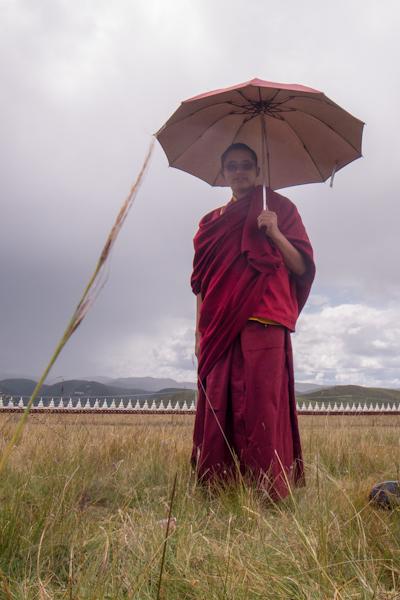 Fotoworkshop Bhuddistische Akademie Ani Gompa Tagong - Autonome Präfektur Garzê Tibet - Sichuan - China (Hochformat)