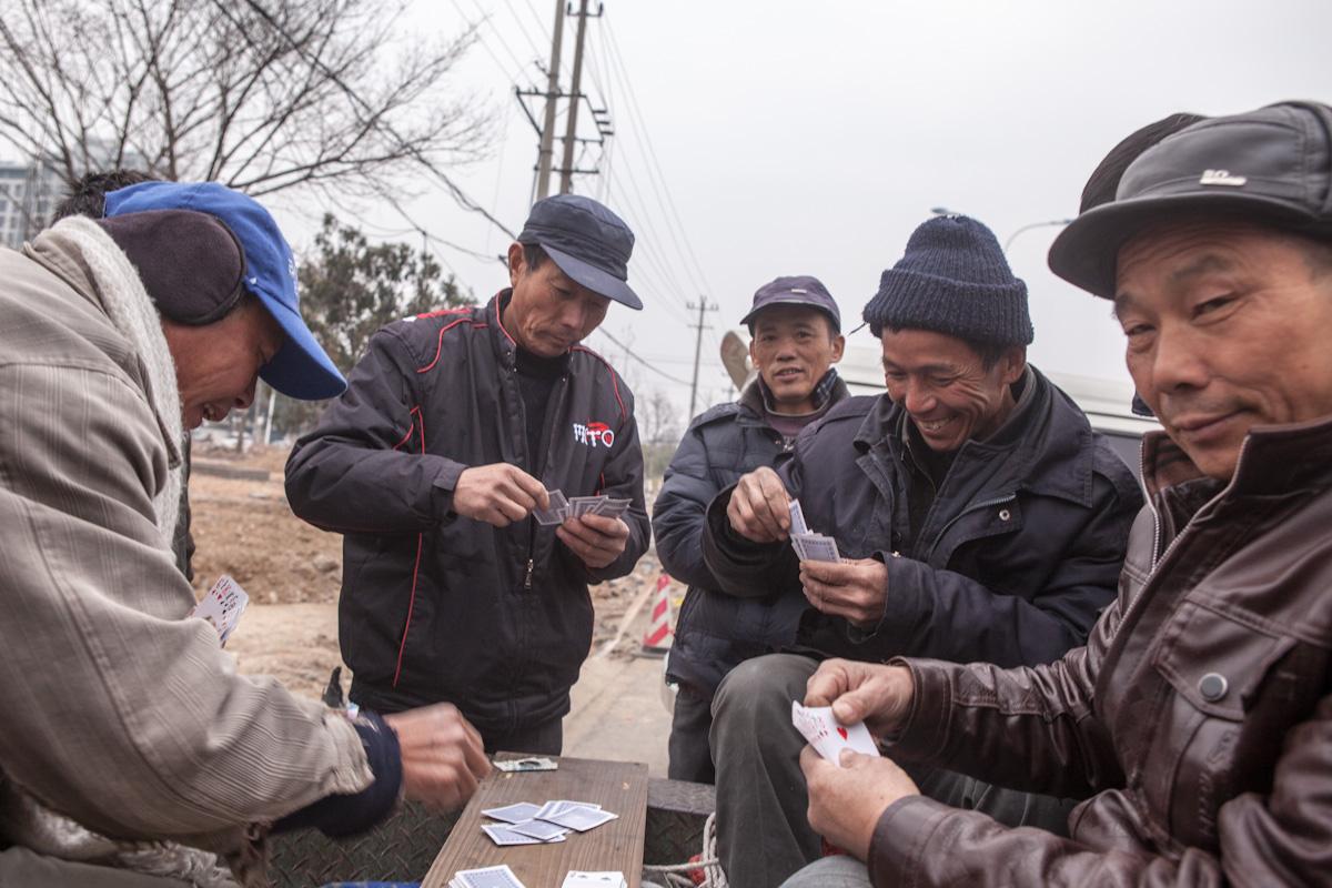 Das gemeinsame Spiel hat auch an kalten Tagen Tradition. Tunxi - Anhui - China