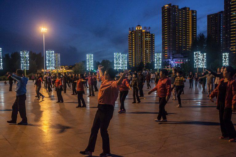 Abendsport im Zentrum von Hulun Buir - Innere Mongolei - China
