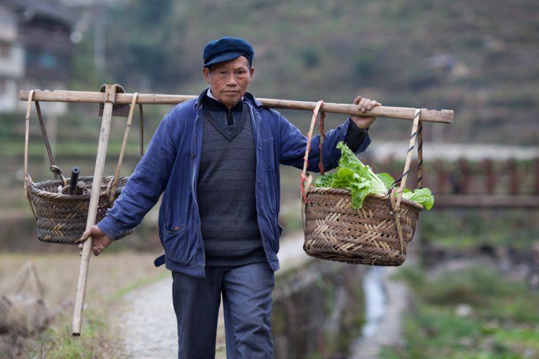 Asia, Asien, China, Guizhou, Zhaoxing, Men, Mann, work, Arbeit, Village, Dorf, Hans-Joachim Eggert