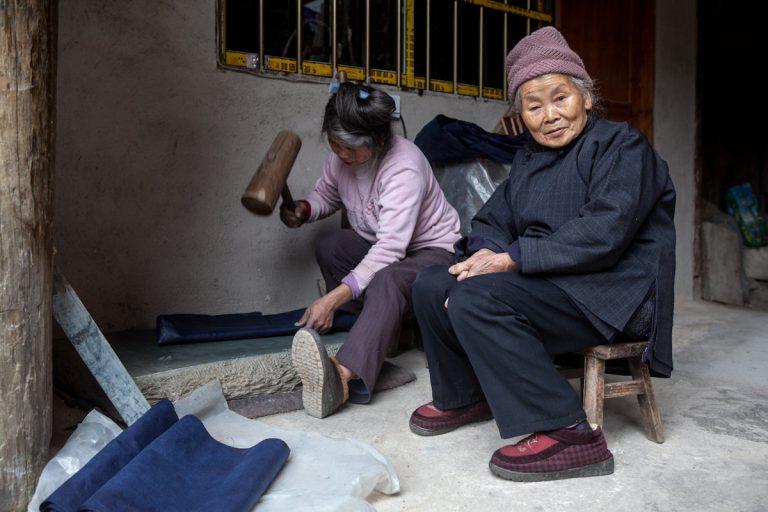Asia, Asien, China, Guizhou, Zhaoxing, Woman, Frau, work, Arbeit, Village, Dorf, Hans-Joachim Eggert