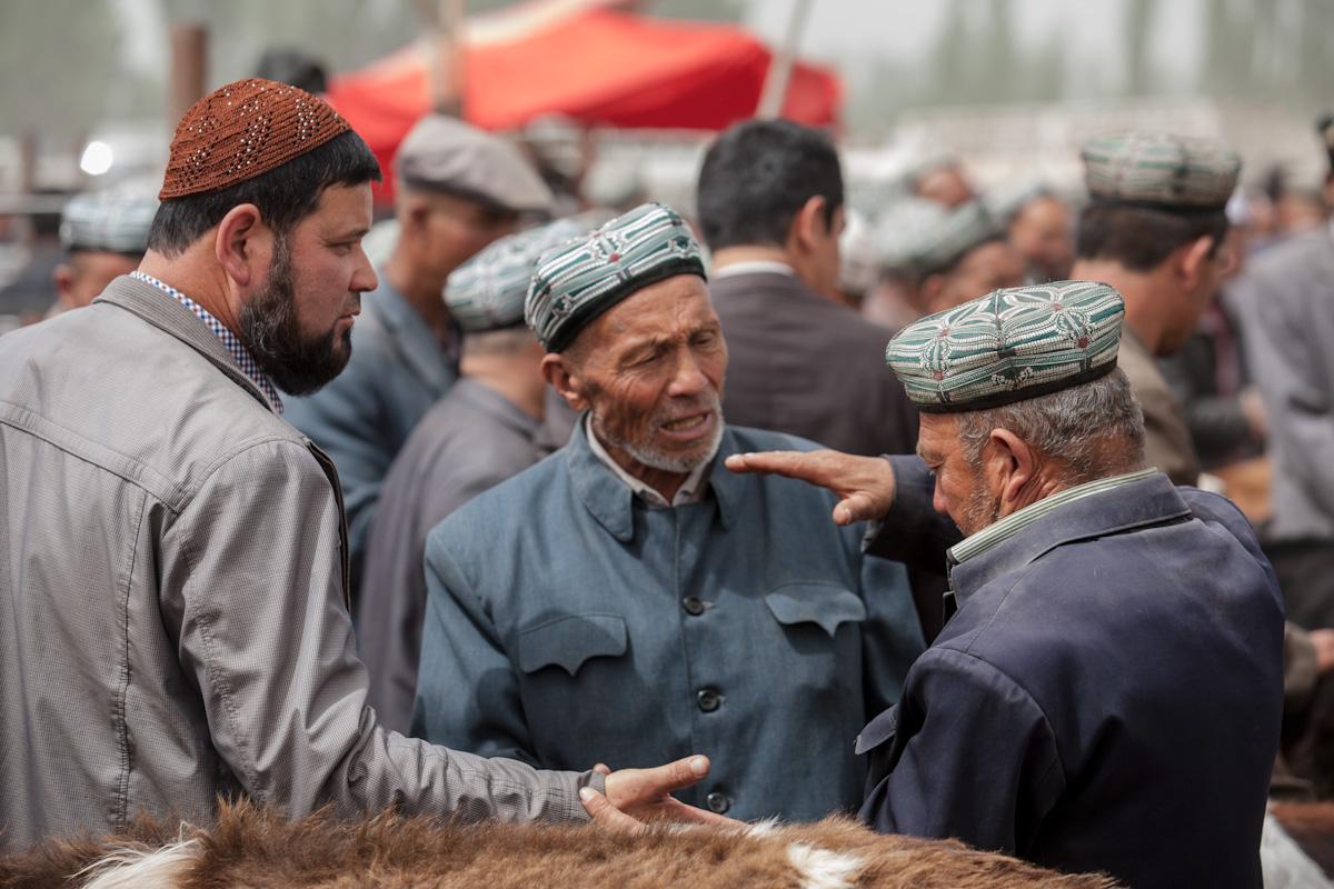 Asia, Asien, China, Xinjiang, Kashgar, Kashi, Sunday Market, Sonntagsmarkt, Live Stock Market, Viehmarkt, People, Portrait, Hans-Joachim Eggert