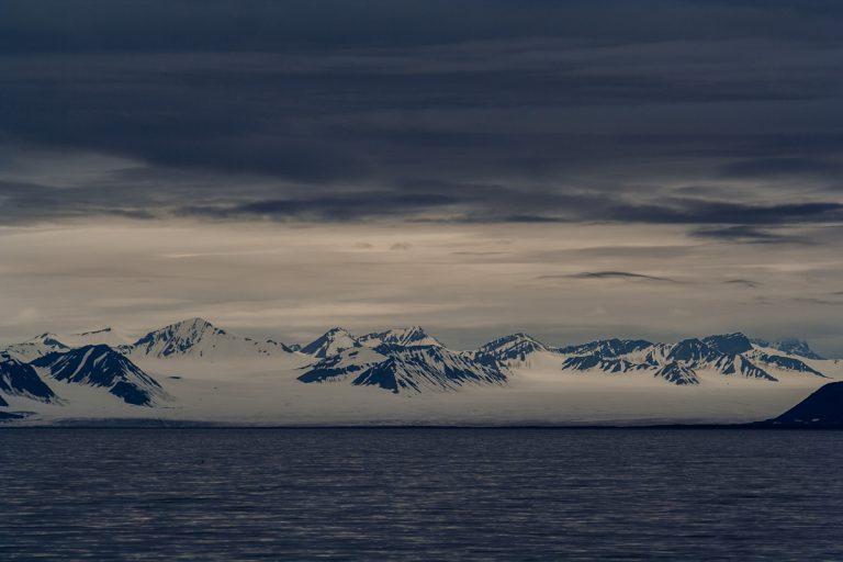 arktis arctic spitzbergen svalbard sveabreen gletscher glacier icefjord