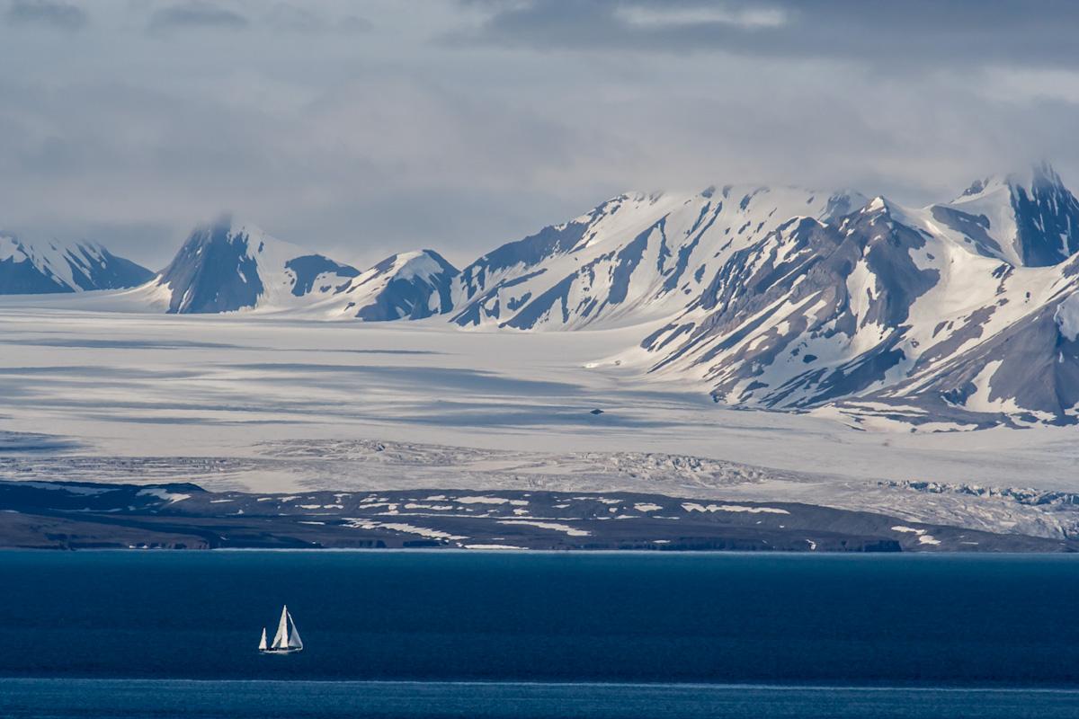 arktis arctic spitzbergen svalbard esmarkbreen gletscher glacier icefjord