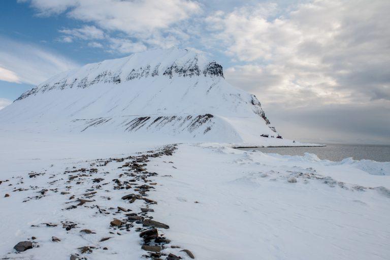 arktis arctic spitzbergen svalbard björndalen pilarberget icefjord eisfjord winter snow schnee