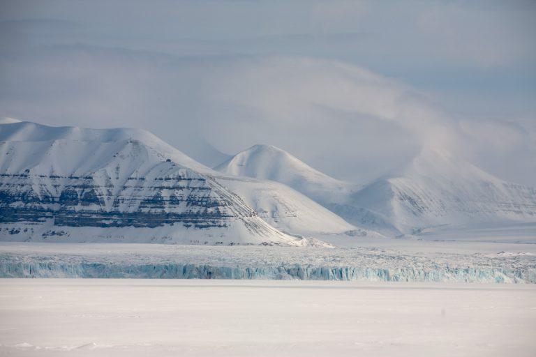 arktis arctic spitzbergen svalbard tempelfjord tunabreen gletscher glacier winter snow schnee