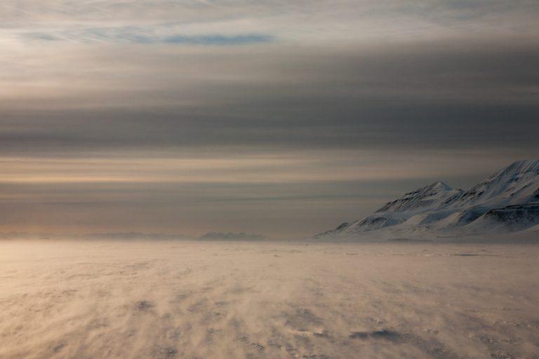 arktis arctic spitzbergen svalbard adventdalen adventtal winter schnee snow sturm storm