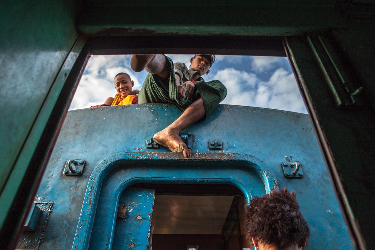 Asien Asia Myanmar Burma Birma Mandalay Myitkina Zug Train