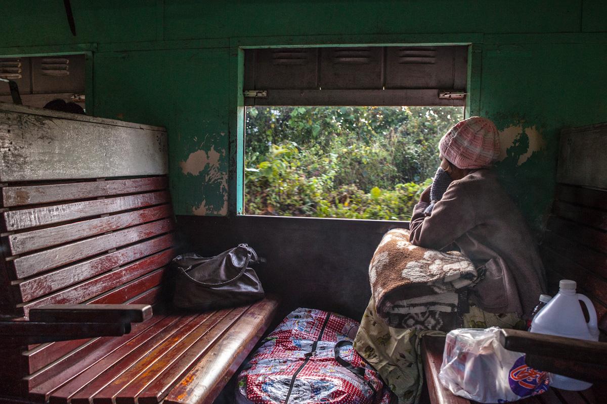 Asien Asia Myanmar Burma Birma Mandalay Myitkyina Zug Train Nansiaung Kachin Staat