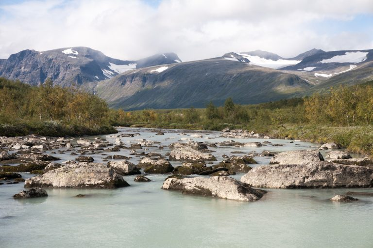 Skandinavien Scandinavia Schweden Sweden Sarek Nationalpark Wanderung im Rapadalen Fluß Fluss Rapaädno