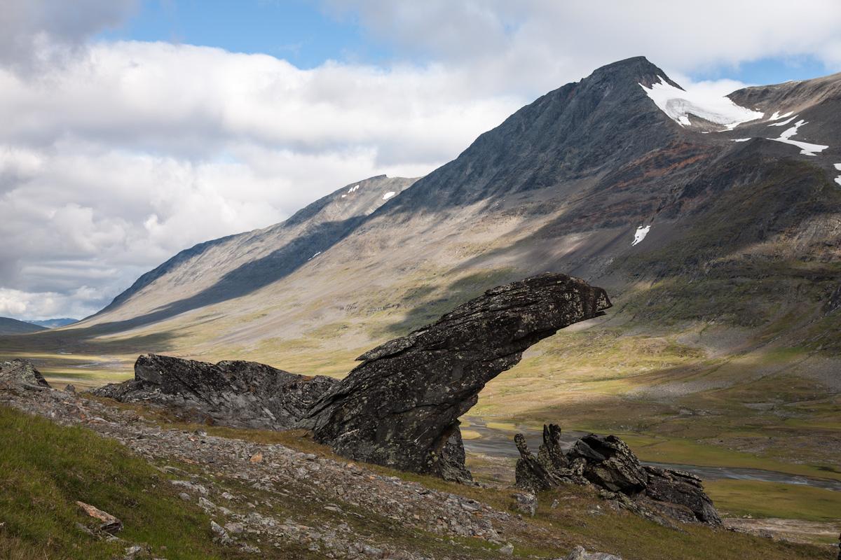 Skandinavien Scandinavia Schweden Sweden Sarek Nationalpark Wanderung im Tal Ruothesvagge beim Berg Gavabakte