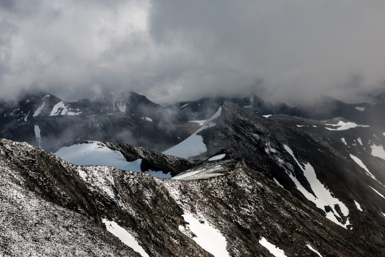 Skandinavien Scandinavia Schweden Sweden Sarek Nationalpark Wanderung auf dem Berg Gavabakte